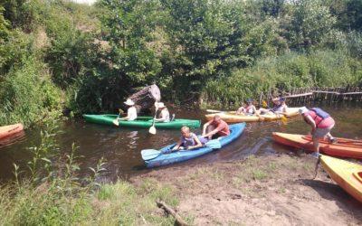 Popularyzacja turystyki aktywnej – spływ kajakowy rzeką Myślą